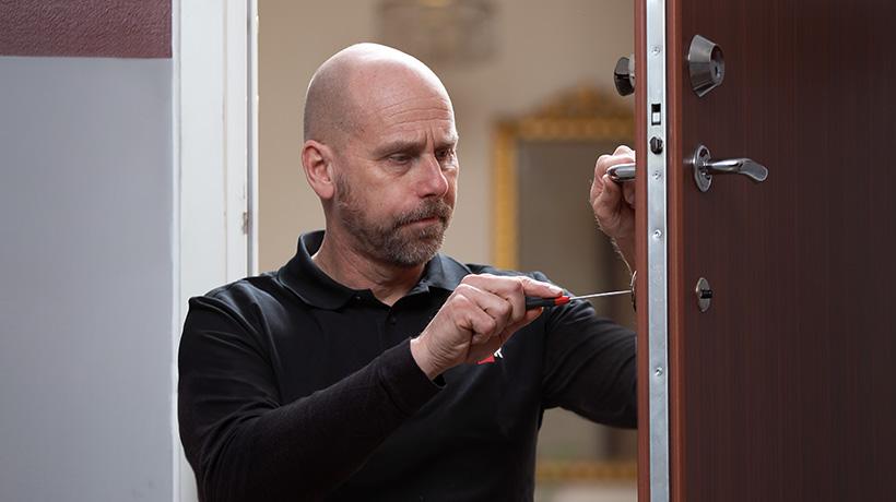 Installatör från Secor har installerat en säkerhetsdörr från Daloc